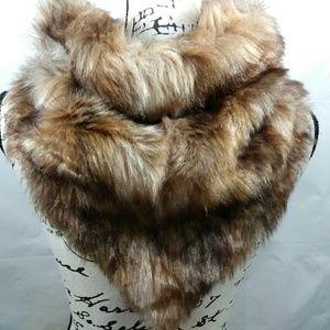 Beautiful faux fur neck scarf